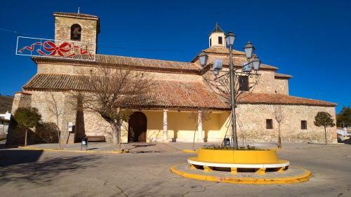 Iglesia de San Andrés, iglesia parroquial de Fuentidueña de Tajo
