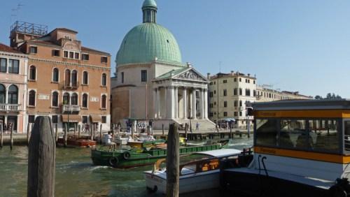 Iglesia de San Simeone Piccolo junto al Gran Canal