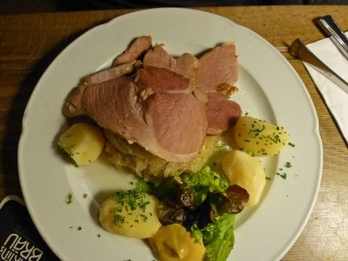Tocino de la Selva Negra con chucrut, uno de los platos típicos de la gastronomía de Friburgo de Brisgovia