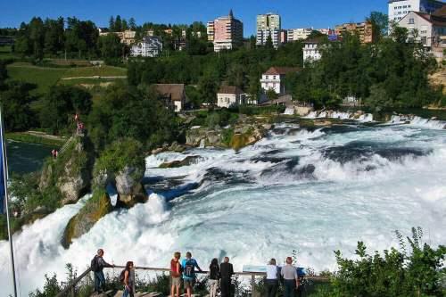 Cataratas del Rin en Suiza, las más grandes de Europa Central