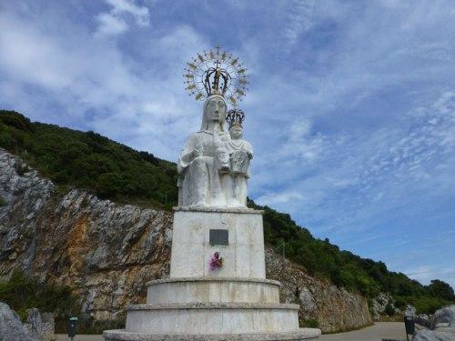 Monumento a la Virgen del Puerto de Santoña