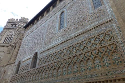 Muro de la Parroquieta en la Catedral de Zaragoza, uno de los mejores ejemplos del mudéjar aragonés