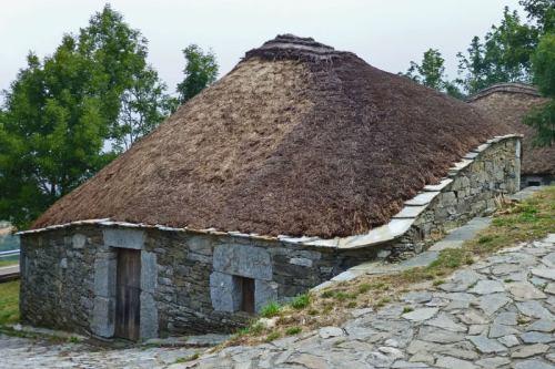 Palloza de O Cebreiro, vivienda prerromana tradicional de la región