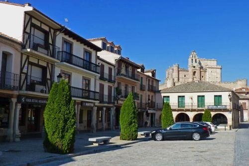 Plaza Mayor de Turégano o Plaza de los Cien Postes