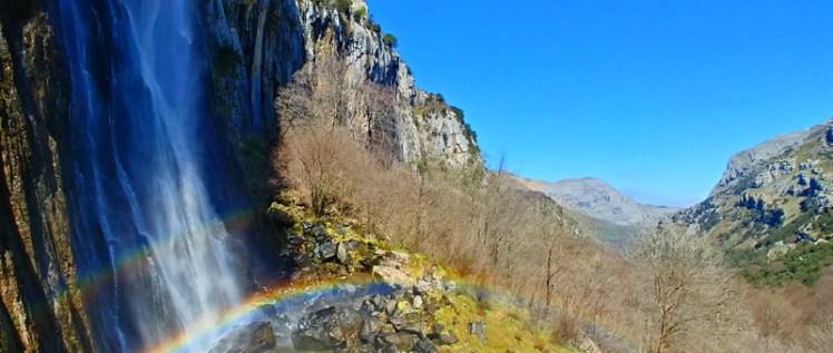La primavera es agua, por eso no hay mejor época para visitar los Collados del Asón