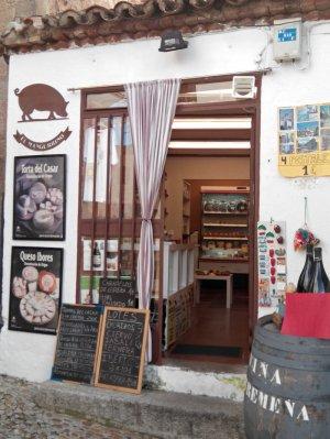 Tienda con productos típicos de Cáceres, qué comprar en Cáceres