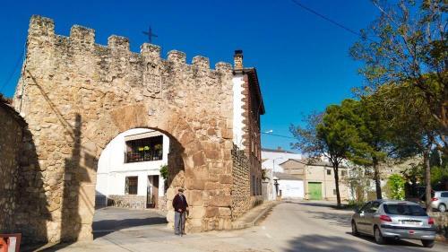 Puerta del Agua, la única que se conserva de la antigua muralla