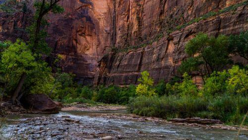 Río Virgin a su paso por el Parque Nacional Zion
