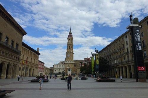 Catedral de Zaragoza o La Seo en la Plaza del Pilar