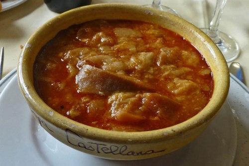 Sopa castellana, uno de los platos típicos de la gastronomía de Burgos