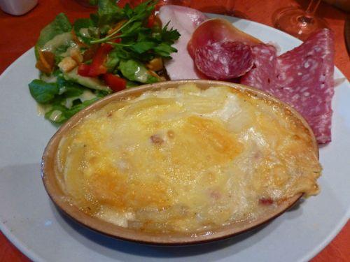 Tartiflette saboyana, uno de los platos típicos de la gastronomía de Annecy