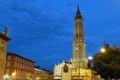 Vista nocturna de la Catedral de Zaragoza o La Seo