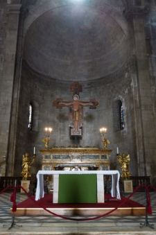 Interior de la Iglesia de San Miguel en Foro en Lucca