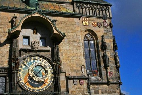 Detalle del cuadrante astronómico del reloj del Ayuntamiento de Praga