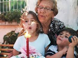 atraso de voo idosa perde aniversario neta (Imagem ilustrativa)