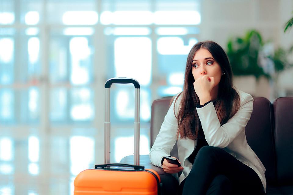 Quais documentos são necessários para pedir a indenização em caso de cancelamento ou atraso de voo?