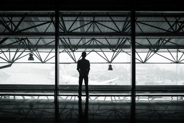 voo atrasado cancelado aeroporto
