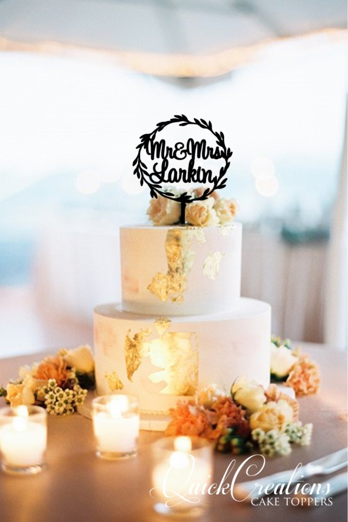 Quick Creations Cake Topper - Wreath Mr & Mrs Larkin