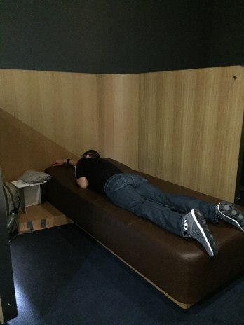 Sleeping at the Frankfurt Senator Lounge