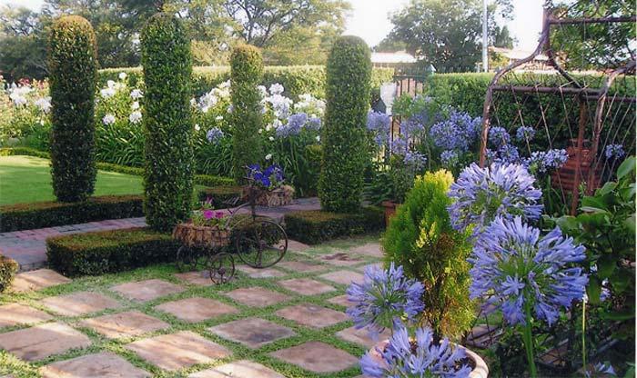 Quiet Corner:Small Urban Garden Design Ideas