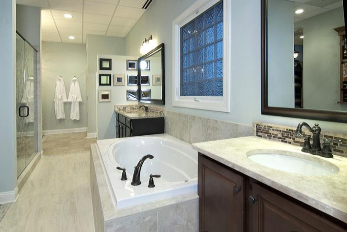 Master-Bathroom-Designs-07