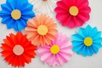 Easy DIY for Your Kids - Accordion Paper Flowers
