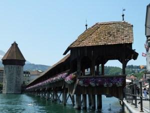 Viagem de mota pela Suíça e Alpes. Em Lucerna.