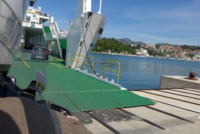 Ferry para a Ilha de Korcula. Croatia