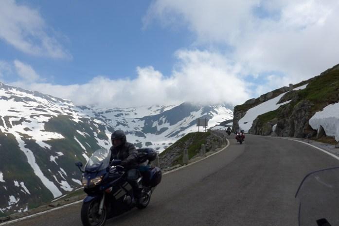 Num roteiro de viagem de mota personalizado