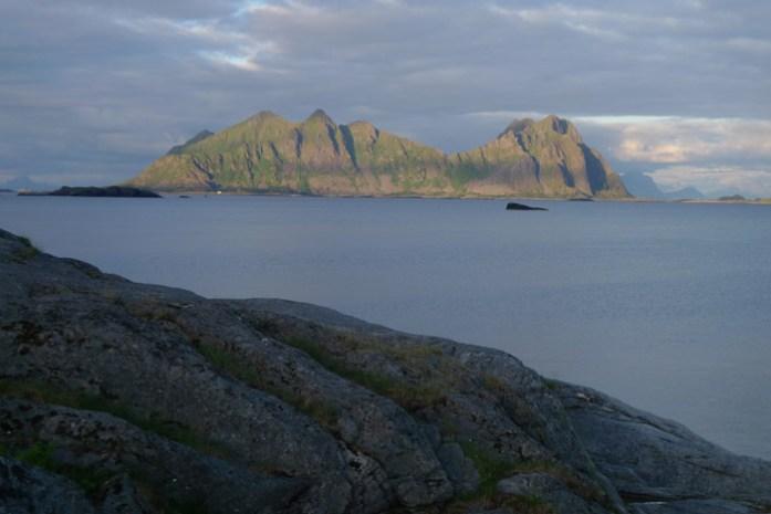 Svolvaergeita. Montanha em Svolvaer. Ilhas Lofoten