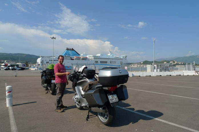 ferry durante uma viagem de mota