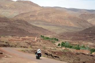 Viagem de mota a Marrocos. Estrada R704 Boulmane du Dadès - Gorgès du Dadès M'Semrir.