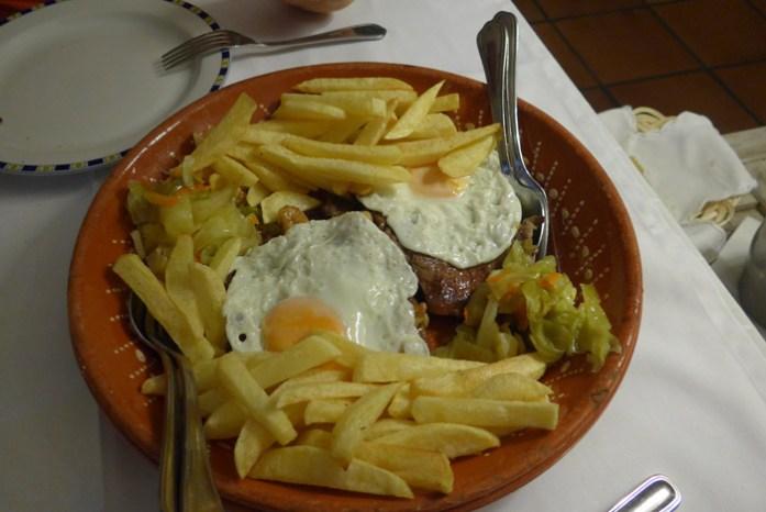 Em Restaurante a Casa do Almocreve. Baião