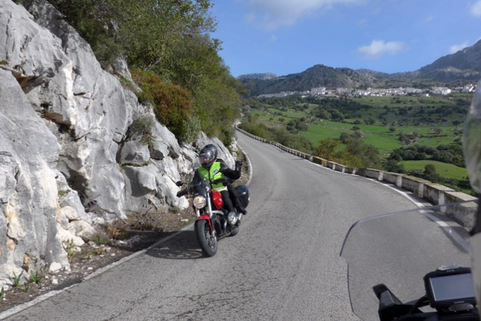 Roteiro de mota pela Andaluzia. Na Ruta de los Pueblos Blancos