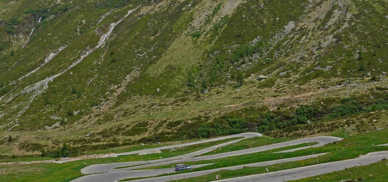 Splugen pass. Entre a Suíça e Itália na cadeia montanhosa dos Alpes.