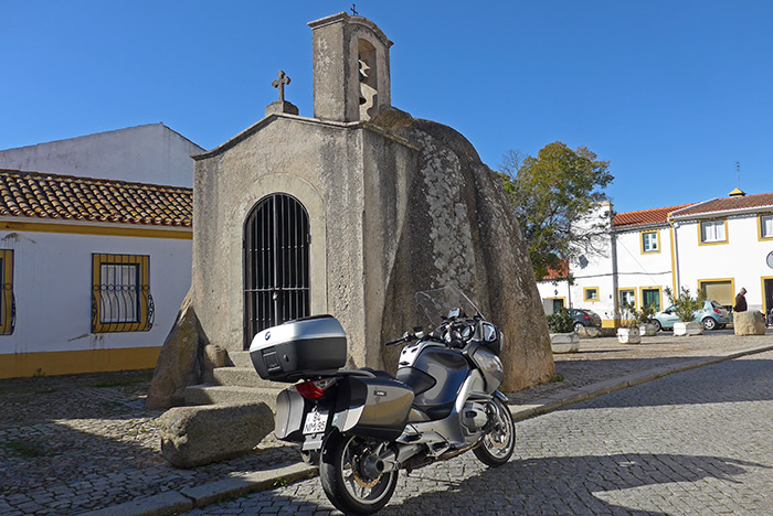 Anta de Pavia. Monumentos megalíticos pelo Alentejo.