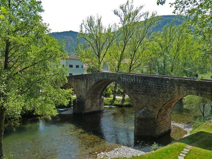 Ponte Real sobre o rio Ceira em Góis.