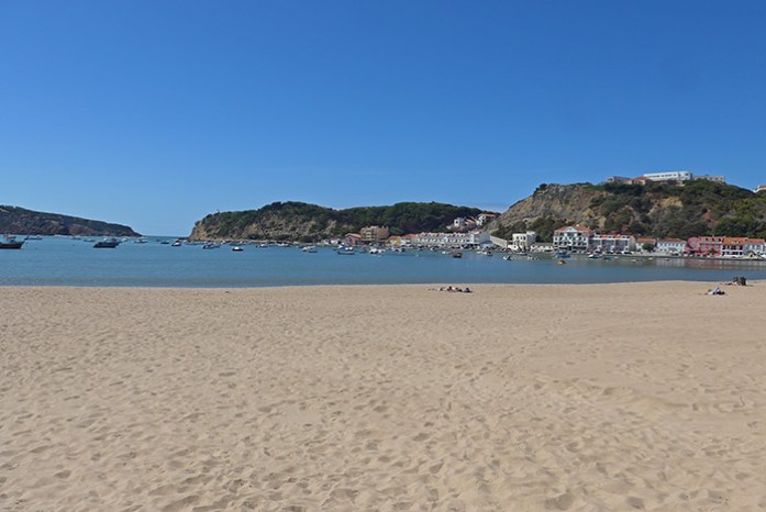 Baía de São Martinho do Porto.
