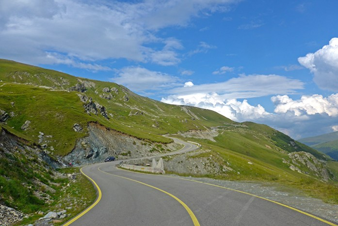Estrada Transalpina. Parang Moutains, Roménia de moto