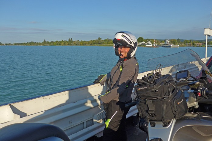Rota de ferry Tihany - Szántódrév. Lago Balaton. Hungria