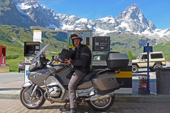 Posto de combustível no Valle D'Aosta, Itália
