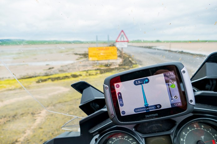 Em Lindisfarne Causeway, Inglaterra