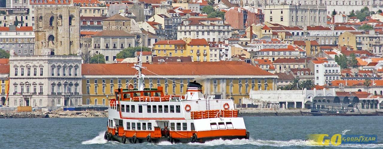 Ferry em Lisboa