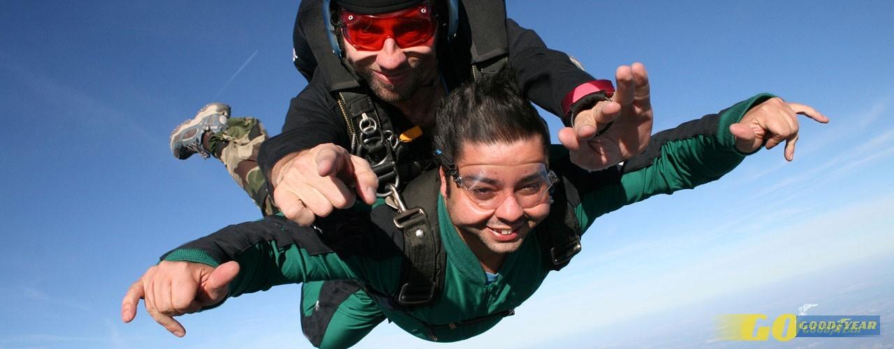 Cinco propostas de saltos de paraquedas em Portugal