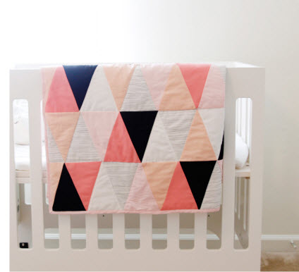 pink bk wh triangle quilt