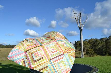 best quilt photo Leanne Harvey dead tree