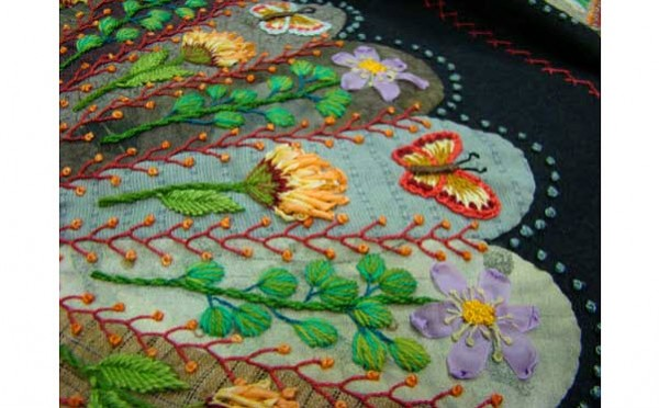 Embroidered Dresden Plate Quilting