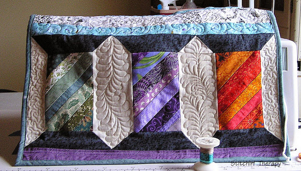 Quilted sewing machine cover StichinTherapy