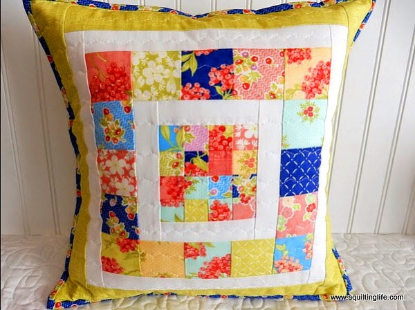 & Tutorial: Scrappy patchwork pillow \u2013 Quilting pillowsntoast.com