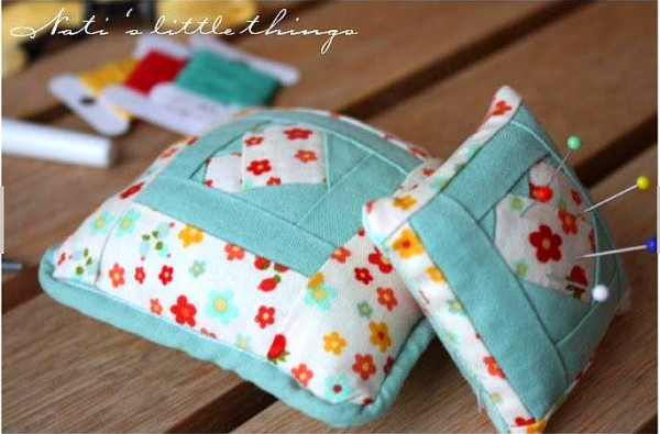 Paper Pieced Pincushion free pattern